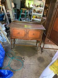 End table Harrisville, 02830