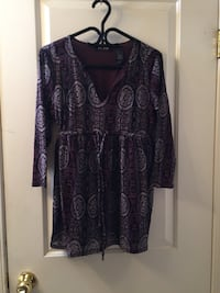 Women's blouse size large  Calgary, T2A 7R1