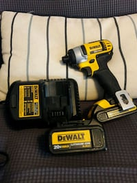 DEWALT cordless hand drill with battery charger and case New York, 10011
