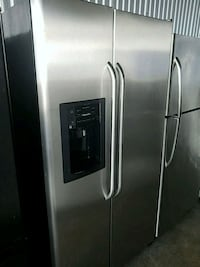 stainless steel side-by-side refrigerator with dis Temple Hills, 20748