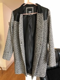 Medium fashionable coat Mississauga, L5A 3C1