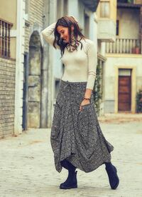 Long Boho Grey and white Skirt with Pockets Cambridge, N1R 5S4