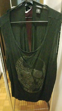Black skull open back top Winnipeg, R2P 0W8