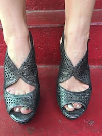 BCBG Pair of gray leather high heeled shoes Los Angeles, 90004