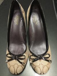pair of brown leather pointed-toe flats Richmond, V6Y