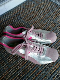 Tommy Girl Fashion Sneakers Size 8 Melbourne, 32940