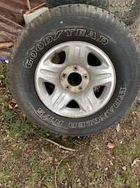 Gray Ford Expedition Truck wheel with tire Fort Washington, 20744