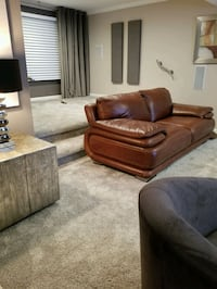 Stunning brown leather loveseat (top grade)  Fort Washington