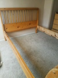 Queen bed with wood slats (not pictured)  Corona, 92881