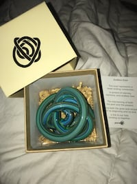 Green earth endless knot