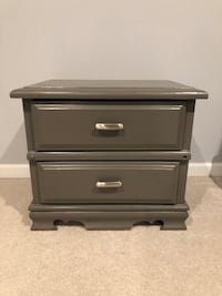 Grey wooden 2-drawer nightstand Reston, 20191
