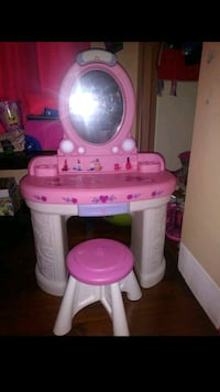 In good condition for a little princess! Methuen, 01844