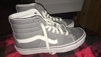 pair of gray-and-white low top sneakers Omaha, 68104