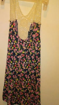 women's  black, pink, and green floral print sleeveless top Meridian, 39305