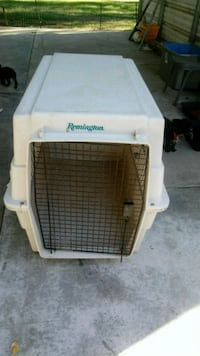 white Pet Taxi pet carrier Atwater, 95301