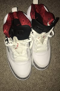 jordans good condition nice shoes very low price