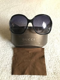 Stunning pair of authentic Gucci sunglasses in excellent condition 250 mi