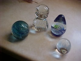 Four Gorgeous Pieces Of Art Glass Paper Weights