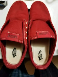 Red Vans Size 9.5 Mint Condition Burnaby, V5A 4G5