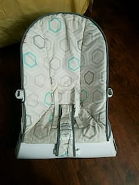 baby's gray and blue bouncer seat Virginia Beach, 23452