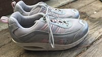 Women's RYNS Fitness size 9.5 Pacific Grove, 93950