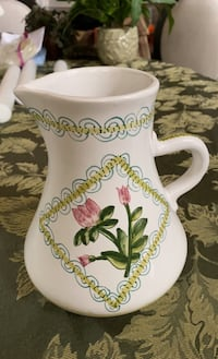 Hand painted Ceramic pot from Portugal  Chantilly, 20152