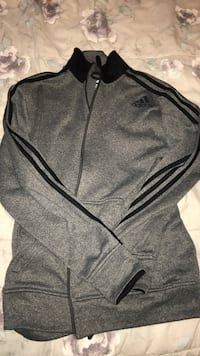 Gray and black zip-up sweater Brampton, L6R 0T4
