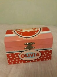 Olivia the Pig Jewelry Box