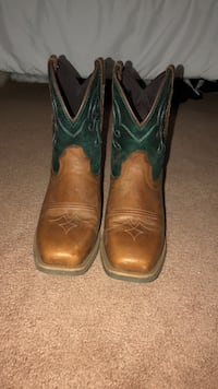 Justin Ladies Gypsy Square Toe Chellie Boots McMinnville, 97128