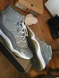 Original no retro except the Kaws looking for trade over sale but will sale size 10 to 11 and 9 1/2 Decatur, 30032