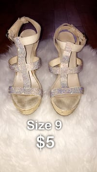 Beige wedges • size 9 • $5 Laval, H7W 2S3