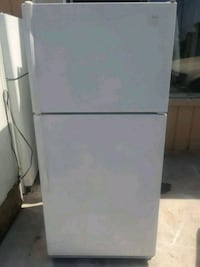 Fridge in very good condition delivery available  Long Beach, 90802