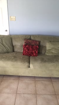 Green  suede 3-seat sofa New Orleans, 70129