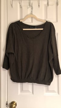 Dark green scoop-neck long-sleeved shirt Sterling, 20165