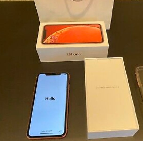 iPhone XR 128 GB unlocked works for any carrier 9322268e-02f9-4ab3-9ba0-88cc9ed36fc3