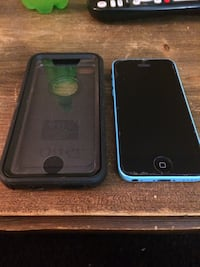 iPhone 5c (blue) + Otterbox Richmond, 47374