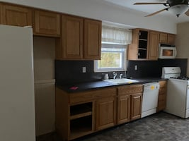 Kitchen Cabinets (uppers only)