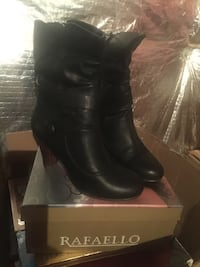 New Boot US size 6 Fairfax, 22030