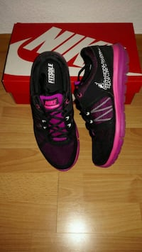 Nike Flex Run 2014 MSL, Gr. 40,5  Black/White/Pink Kerpen