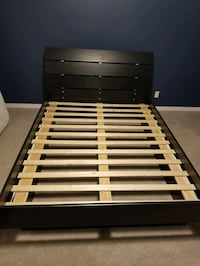 Solid wood queen bed frame 1951 km