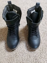 Toddler Carter boots size 9 worn twice