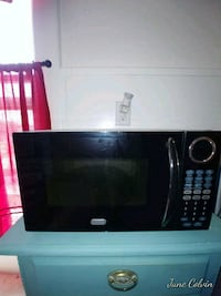 black and gray microwave oven Colorado Springs, 80903