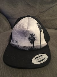 Volcom Hat (Grey) - pickup in Aiea across Toys r Us - only used couple times  Aiea, 96701