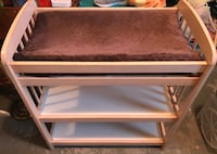 Changing table 373 mi