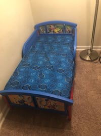 Mickeys toddler bed 58 km