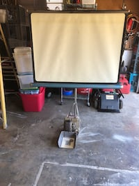 Old projector with screen Portland, 97266
