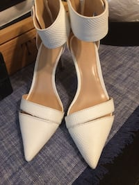 WHITE SANDALS,SIZE(6)GOOD CONDITION ,SMOKE FREE HOME