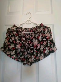 Size Medium New floral shorts  Lancaster