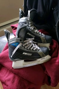Hockey skates size 6 New Westminster, V3L 3J9
