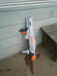 white and orange plastic toy gun Hyattsville, 20783